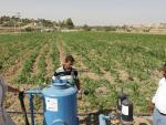 Technician work on water pumping purposes in Deir Alla, 30 June 2014. PHOTO AFP © EU/NEIGHBOURHOOD INFO CENTRE